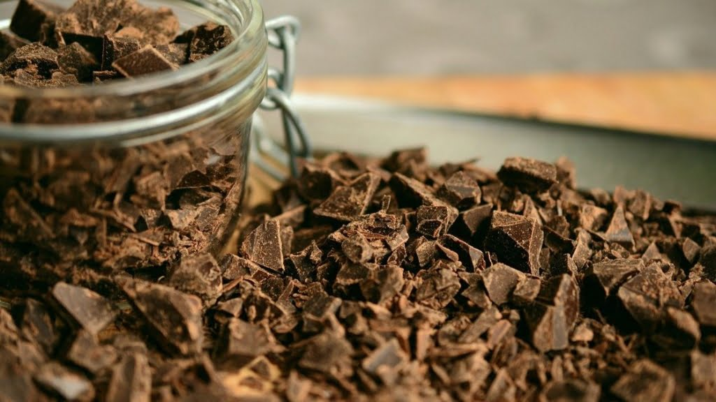 Przepis na muffinki czekoladowe - czekolada siekana