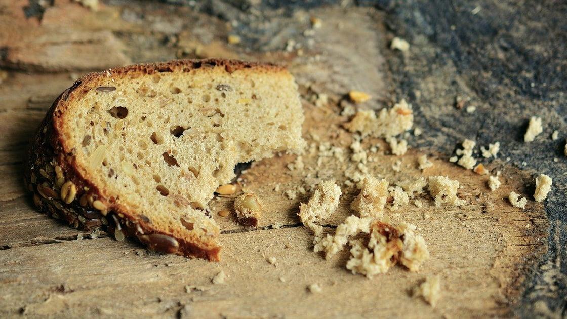 Przepis na chleb pszenno - żytni na drożdżach